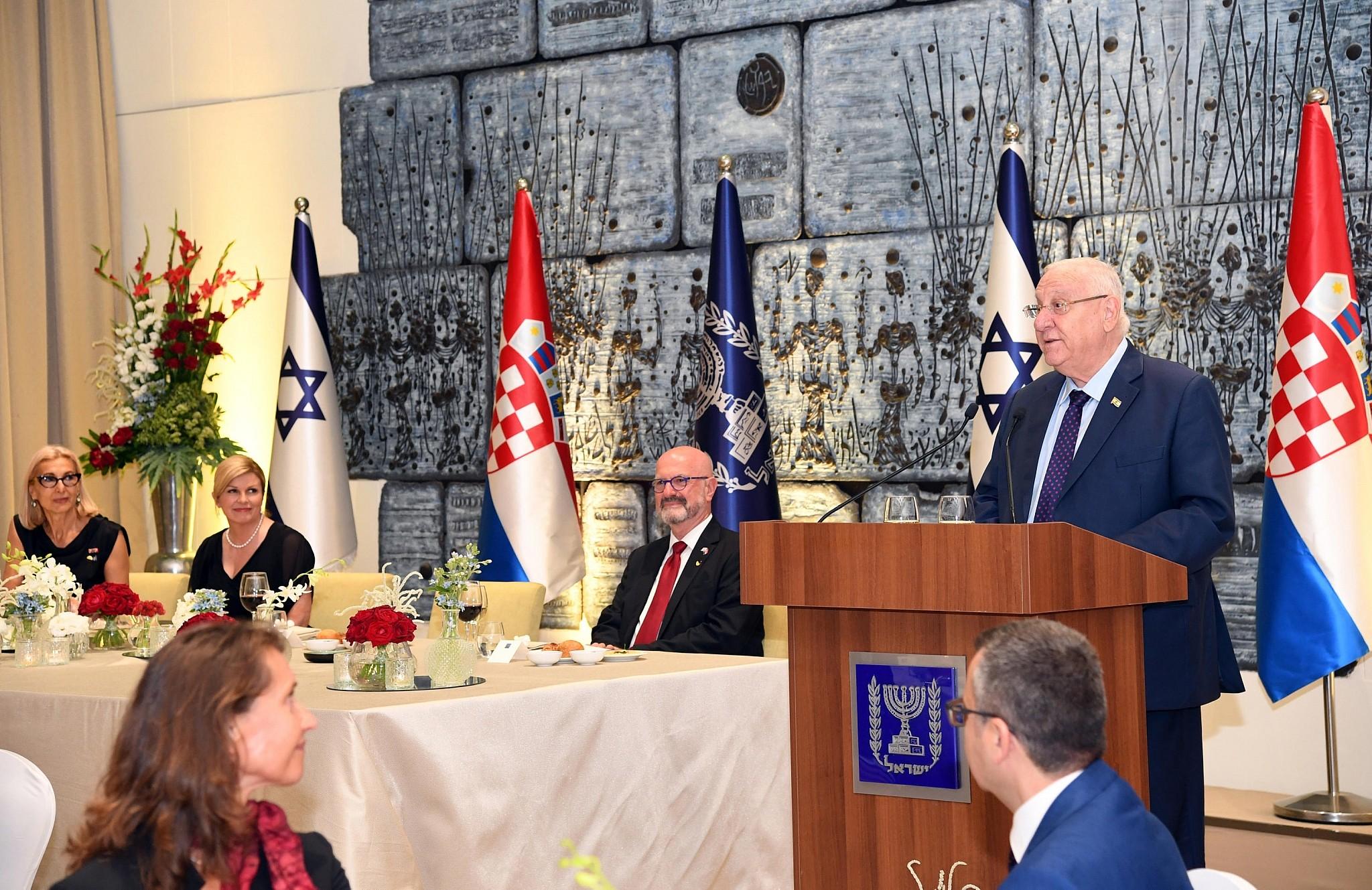 Internationale - Palestine, Ligue arabe et Turquie critiquent le Kosovo et la Serbie