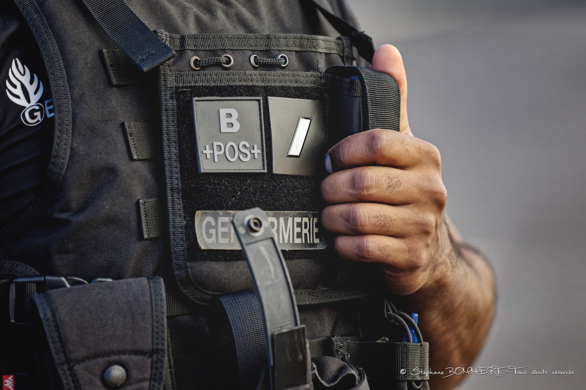 Il s'enfuit après avoir tenté de renverser un gendarme — France